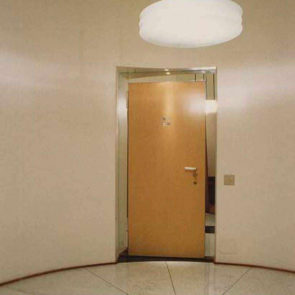 Porte interne e porte blindate in legno arredamenti altamura - Porte interne su misura milano ...
