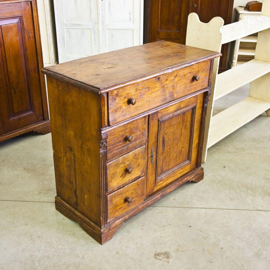 Riparazione restauro mobili arredamenti su misura a milano for Mobili a milano