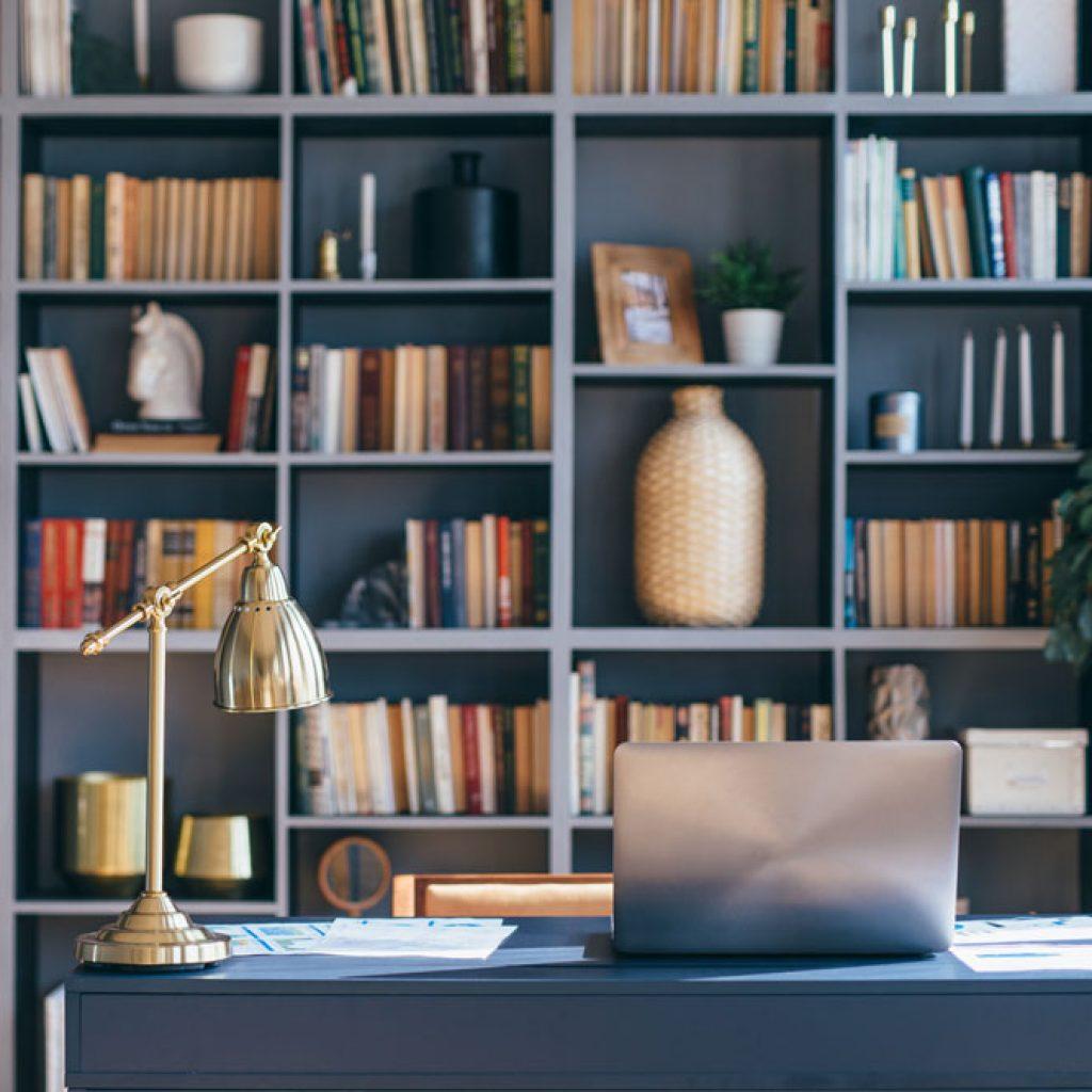 Libreria su misura per uno studio - Arredamenti Altamura